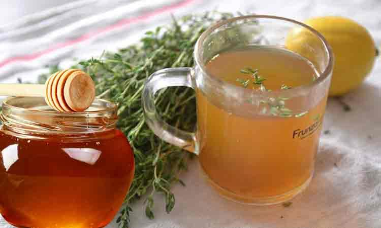 Cimbru cu miere și lămâie – Te scapă de tuse, dureri în gât sau bronșită