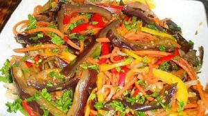 Salată de vinete – restaurantul chinezesc la tine acasă! O salată ce arată extraordinar și este super bună!