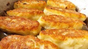 Zrazy din cartofi cu umplutură de ciuperci – cele mai aromate și suculente chiftele! Atât de fine și moi, încât se topesc în gură!