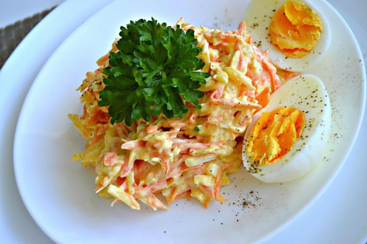 Salată franțuzească cu morcov și cașcaval – preparați o porție dublă!
