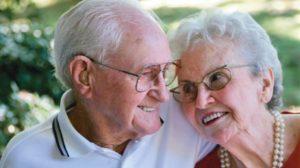 Îmbătrânesc împreună doar cei care se iartă și se iubesc reciproc