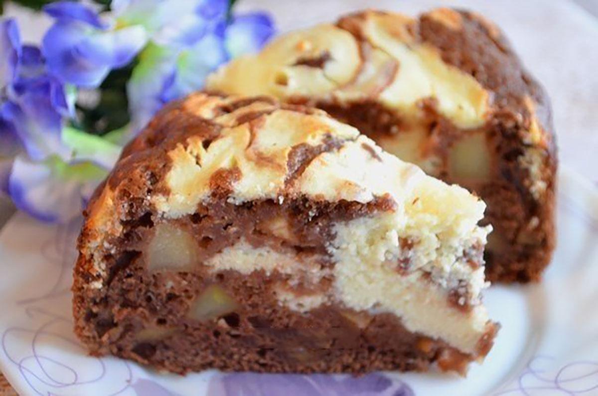 Prăjitură cu mere, brânză și cacao – un desert delicios și elegant care nu va lăsa pe nimeni indiferent!