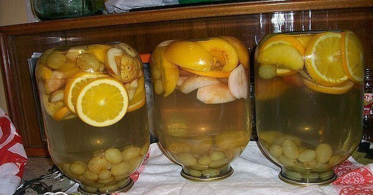 Compot din fructe – rețeta cea mai simplă și rapidă întâlnită vreodată. Pregătește-ți cămara pentru iarnă!