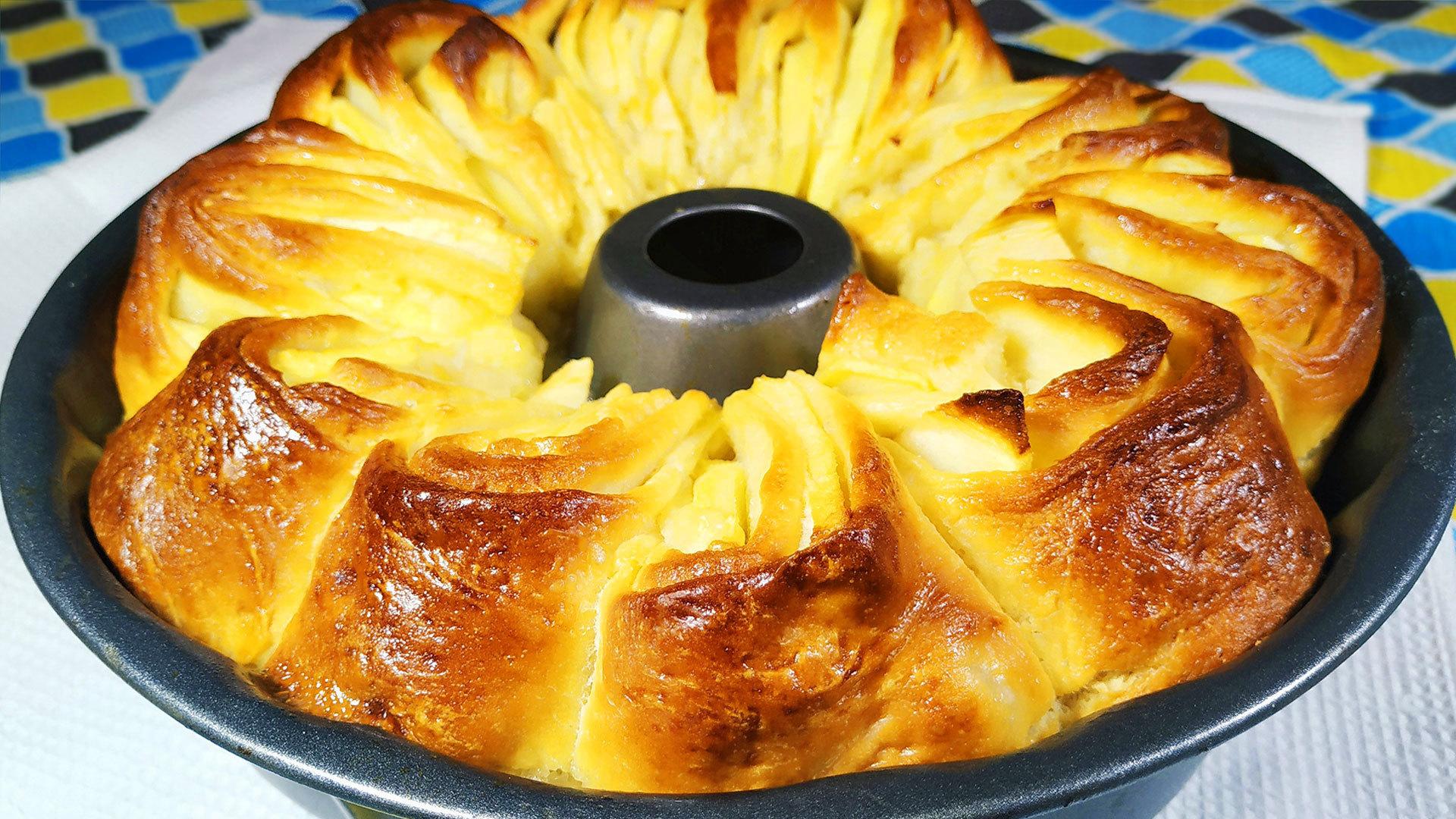 Prăjitură cu mere, rapidă și delicioasă – e mai bună decât Șarlota obișnuită